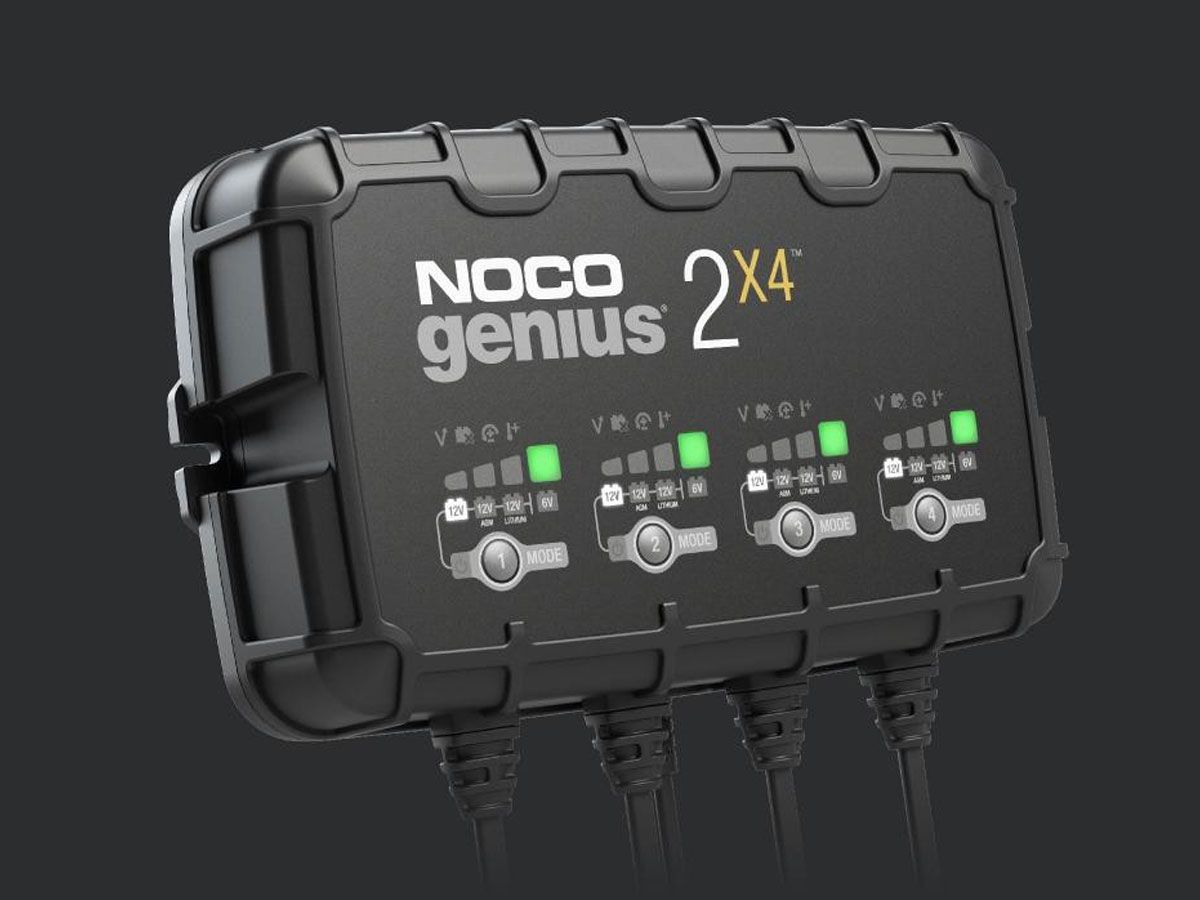 NOCO GENIUS 4 BANK BATTERY CHARGER + MAINTAINER 6V / 12V 8A
