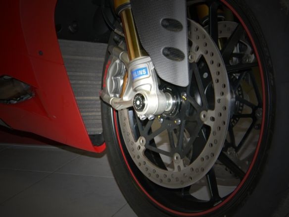 TRD01 RIGHT FRONT WHEEL CAP DUCABIKE DUCATI HYPERMOTARD 939